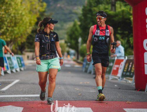 Javier Ordieres y Paula Peke buscan componentes para su equipo.